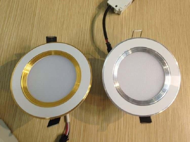 đèn âm trần 3 màu
